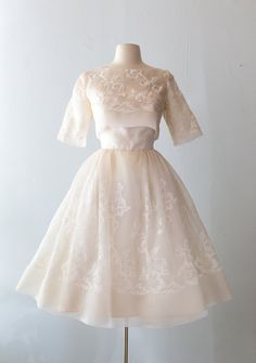 Xtabay Vintage Clothing Boutique - Portland, Oregon: Dress Archive, May 2019 Thr. - Xtabay Vintage Clothing Boutique – Portland, Oregon: Dress Archive, May 2019 Through June 2019 Source by unbirthdayyy - Pretty Outfits, Pretty Dresses, Beautiful Dresses, 1950s Fashion, Vintage Fashion, Club Fashion, Petite Fashion, Fashion Tips, Vintage Dresses