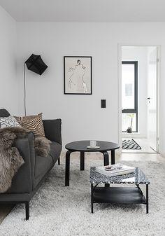 Casual cozy scandinavian living room. Styling by Alexandra Evita Ogonowski, photography by Erik Lefvander