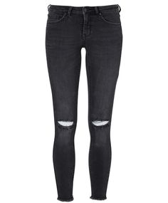 Ankle jeans with distress effects at the knees and raw edges at the hem  | Gina Tricot Perfect Jeans | www.ginatricot.com | #ginatricot
