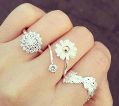 these rings are freaking cute!!! I love Sparkling Rings .