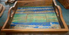 Bandeja em madeira rústica. tamanho: 0.44cm x 0.40cm