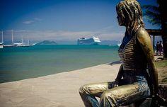 Estatua Brigitte Bardot praia da armação buzios