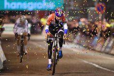 Four in a row (Photo: Mathieu van der Poel wins in Diegem)