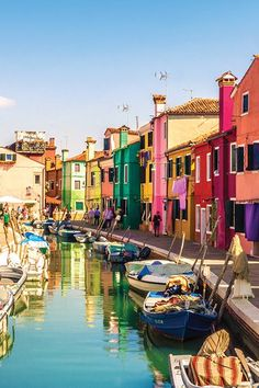 7 Italian Towns (That Aren't Rome or Florence) You Have to Visit - international travel Vacation Travel, Travel Goals, Vacation Destinations, Beautiful Places To Travel, Cool Places To Visit, Places To Go, Draw On Photos, Europe Travel Guide, Photos Voyages