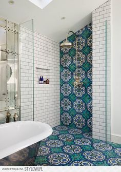 Victorian Dream Bathroom diy dream house Get This Look: 9 Beautiful Bathroom Design Trends We're Swooning Over Bad Inspiration, Bathroom Inspiration, Bathroom Inspo, Cool Bathroom Ideas, Bath Ideas, Victorian Terrace House, Modern Victorian Houses, Victorian Decor, Beautiful Bathrooms