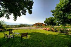 Il nostro albergo immerso nel verde dei Pratoni del Vivaro.