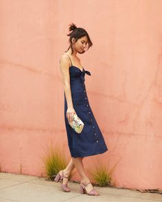 You and the Linen Midi Dress: unforgettable ✨ now to wear it *this* way, or *that* way...