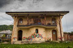 Popasul Verde Sângeorz Băi Bistrita Nasaud Romania https://spoty.com/vacations/romania/experience-the-living-in-unique-strawbale-house