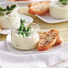 Pour accompagner vos coûtons de pain, servez à vos invités cette délicieuse mousse de poireaux à base de fromage à la crème!
