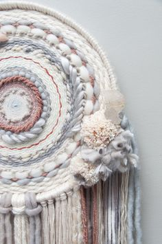 Weaving with Honey Circular Weaving, Weaving Wall Hanging, Boho Diy, Loom Weaving, Textiles, Embroidery Art, Fiber Art, Dream Catcher, Macrame