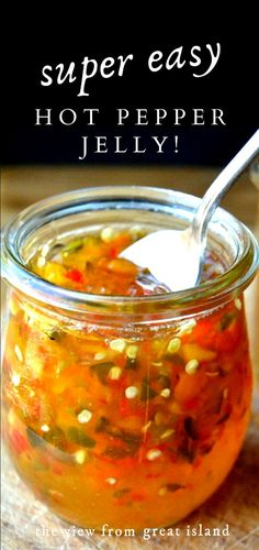 Super Easy Hot Pepper Jelly is an easy small batch refrigerator recipe with both sweet and hot peppers. Pepper Jelly Recipes, Hot Pepper Jelly, Pepper Butter Recipe, Jalapeno Pepper Jelly, Jam Recipes, Canning Recipes, Beef Recipes, Appetizer Dips, Appetizer Recipes