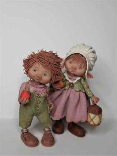 fairy puppets / fotogalerij | enaidsworld Polymer Clay Dolls, Fairy Dolls, Felt Dolls, Flowers Nature, Puppets, Cold Porcelain, Miniature Dolls, Little People, Biscuit