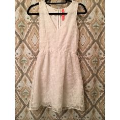 Eighty sixty dress This white lace dress is perfect for outings or any event. Very fashionable and functional. Eight Sixty Dresses Mini