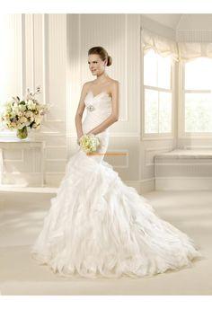 Robe de mariée sirène organza plumes perles