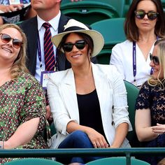 Meghan Markle watches her close friend, Serena Williams, play on Day 4 of the Wimbledon Championships at the All England Lawn Tennis and Croquet Club. Invictus Games, Lawn Tennis, Tennis Tournaments, Linen Blazer, Serena Williams, Meghan Markle, Kate Middleton, Black Tops