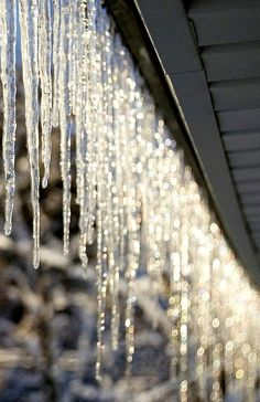 #Winter #photography ToniK Joyeux Noël #Christmas eaves icicles