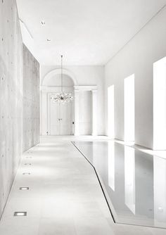 Amazing indoor pool. Pools are capable of make the difference in luxury projects. They can be square, rectangular or round, but they are a sign of opponency and elegance and can be included in country houses, beach houses or even rooftops. See some excelent decor ideas here: http://www.pinterest.com/homedsgnideas