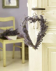 Lavendelherz an der Tür