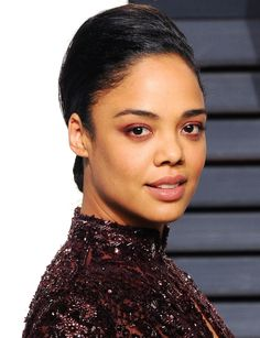Tessa Thompson's dark red eye makeup - click through for the how-to from makeup artist Nick Barose