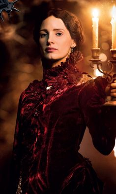 Lucille Sharpe is the main antagonist of the 2015 film Crimson Peak. She owns the mansion, Allerdale Hall, along with her brother, Thomas Sharpe. She was portrayed by Jessica Chastain, who later played Vuk/Smith in the X-Men film Dark Phoenix. Der Pakt, Peak 2015, 7 Arts, Crimson Peak, Image Film, Portraits, Fanart, Jessica Chastain, Movie Costumes