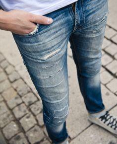 The Naked Truth About Denim - Nudie Jeans Nudie Jeans, Denim Jeans Men, Jeans Pants, Blue Jeans, Tight Jeans Men, Mens Casual Jeans, Lined Jeans, Mens Attire, Super Skinny Jeans