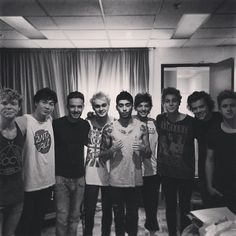 my 9 favorite guys. TMH was perf. I'm sad it is now over! :( ♥
