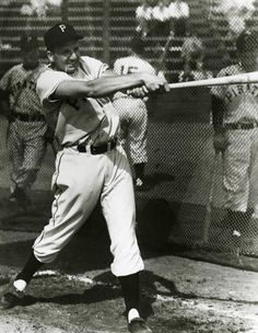 Pittsburgh Pirates Ralph Kiner taking batting practice - BL- (National Baseball Hall of Fame Library) American Baseball League, National Baseball League, National League, American League, Best Baseball Player, Baseball Caps For Sale, Better Baseball, Pirates Baseball, Baseball Games