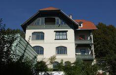 Villa Rainegg - Innsbruck Mühlau #altbau #architecture Innsbruck, Villa, Mansions, House Styles, Home Decor, Decoration Home, Manor Houses, Room Decor, Villas