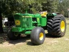 John Deere 6030, huge tires
