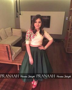 Oh this was pranaah?nazriya looked really pretty in this! Don't like the shoe…