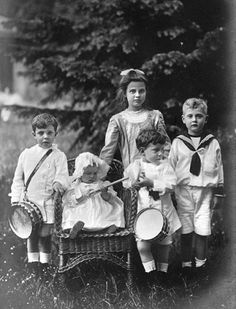 From left: HRH Prince Gustav Adolf of Sweden (1906-1947), HRH Princess Ingrid of Sweden (1910-2000), HGDH Princess Marie Alexandra of Baden (1902-1944) HRH Prince Sigvard of Sweden (1907-2002), HGDH Prince Berthold of Baden (1906-1963)