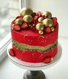 Christmas Cake Designs, Christmas Cake Decorations, Holiday Cakes, Christmas Desserts, Christmas Baking, Christmas Cakes, Red Fondant Cakes, Cupcake Cakes, Crazy Cakes
