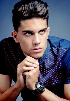 Marc Bartra❤️ Marc Bartra, Soccer Boys, Football Soccer, Lionel Messi, Hot Poses, Football Is Life, Attractive Guys, Fc Barcelona, Famous Faces