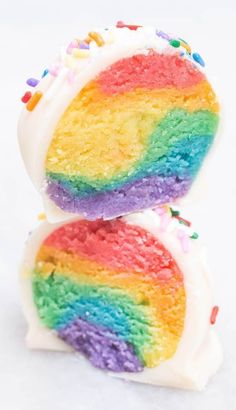 Rainbow Cake Truffles Dessert Recipe - Birthday Recipe Ideas - Rainbow Cake Pop Cake Truffle Rainbow colored cake swirled together then dipped in white chocolate and topped with sprinkles to make adorable cake truffles. Rainbow Cake Pops, Rainbow Food, Rainbow Sprinkles, Rainbow Desserts, Rainbow Cakes, Rainbow Cookie Cake, Rainbow Baking, Rainbow Sweets, Rainbow Snacks