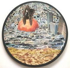 A ilha - collage sobre madeira - 33 cm - 2007 - colagem de Silvio Alvarez - arte, art, collage, colagem, collage art, collage artist, paper, papel, revistas, recortes, sustentabilidade, reciclagem, reaproveitamento, artista ambiental, brazilian art, silvio Alvarez, surrealism, surrealismo, surreal, collagework, transito, caos, são paulo, congestionamento, carros, automóveis, metropole, urbano, praia urbana, cidade