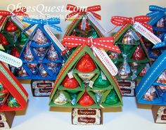 A great gift for school office workers during the holiday season-can make enough for everyone! Hershey& Christmas Tree Tutorial is great for homemade DIY last minute gifts for groups or parties, kids crafts, crafting candy for neighbors, teachers, etc. Christmas Favors, Noel Christmas, Christmas Goodies, Christmas Candy, All Things Christmas, Christmas Decorations, Office Christmas Gifts, Candy Crafts, Christmas Projects