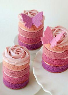 Purple Ombre Cakes Pretty Cakes, Beautiful Cakes, Amazing Cakes, Beautiful Desserts, Mini Cakes, Cupcake Cakes, Tea Cakes, Cupcake Recipes, Cupcake Ideas