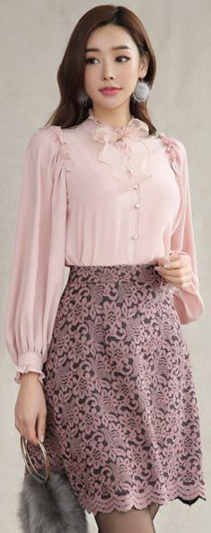 StyleOnme_Scallop Trim Floral Lace A-Line Skirt #lace #feminine #floral #skirt #koreanfashion #kstyle #kfashion #datelook