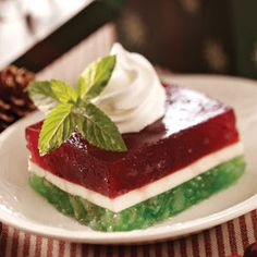 Strawberry Cranberry Pineapple Cream Cheese Layered Christmas Gelatin Salad reminds me of something my grandma made Brownie Desserts, Jello Desserts, Just Desserts, Jello Salads, Fruit Salads, Raspberry Desserts, Christmas Cooking, Christmas Desserts, Christmas Treats