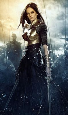 Artemisia (Eva Green) dresses the part of warrior in a bronze breastplate, mesh sleeves and bronze cuffs. She's girded for battle with leather strips and skirting in Rise of an Empire. Eva Green 300, Ava Green, Actrices Hollywood, French Actress, Warrior Princess, Movie Costumes, The Villain, Schmuck Design, Gi Joe