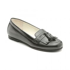 Berkeley - Black Leather - these on-trend leather lined Start-rite girls school shoes are light-weight and flexible with a fashionable tassel feature. Black School Shoes, Leather School Shoes, Kid Shoes, Girls Shoes, Leather Slip Ons, Black Leather, Girls Slip, Childrens Shoes, Loafers Men