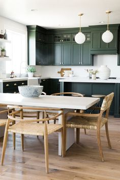 Love these dark green kitchen cabinets in a design by Studio McGee! Looks like green cabinetry is giving Navy some competition! Dark Green Kitchen, Green Kitchen Cabinets, Kitchen Paint, Home Decor Kitchen, Interior Design Kitchen, New Kitchen, Home Kitchens, Kitchen Ideas, Kitchen Wood