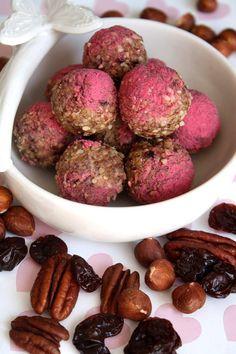 Pink Granolaballs  --  Das klingt doch lecker und sieht auch noch hübsch aus.