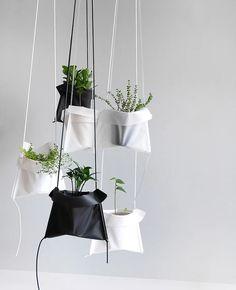 Pot Cradle by Hean | #Horticool #ApartmentGardening #Gardening