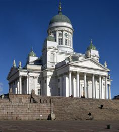 Helsinki Cathedral is an Evangelical Lutheran cathedral of the Diocese of Helsinki, located in the centre of Helsinki, Finland. Beautiful Architecture, Beautiful Buildings, Beautiful Places, Amazing Places, Places To See, Places Ive Been, Places Around The World, Around The Worlds, Green Dome