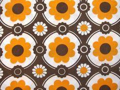 茶色とオレンジ色の花柄 レトロビンテージピローケース 70年代