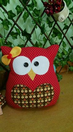 Owl Fabric, Fabric Crafts, Sewing Crafts, Sewing Projects, Owl Crafts, Diy Crafts For Gifts, Christmas Decorations Sewing, Christmas Crafts, Baby Girl Quilts