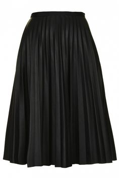 Topshop Pu Black Pleated Midi Skirt in Black This pleated leather-look skirt is both ultra-feminine and edgy.