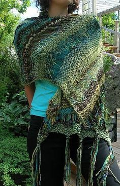 Green Before the Gold wrap . A free pattern.