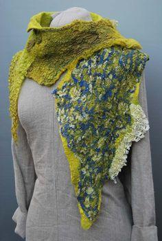 Fabulous hand felted scarf von sassafrasdesignl auf Etsy